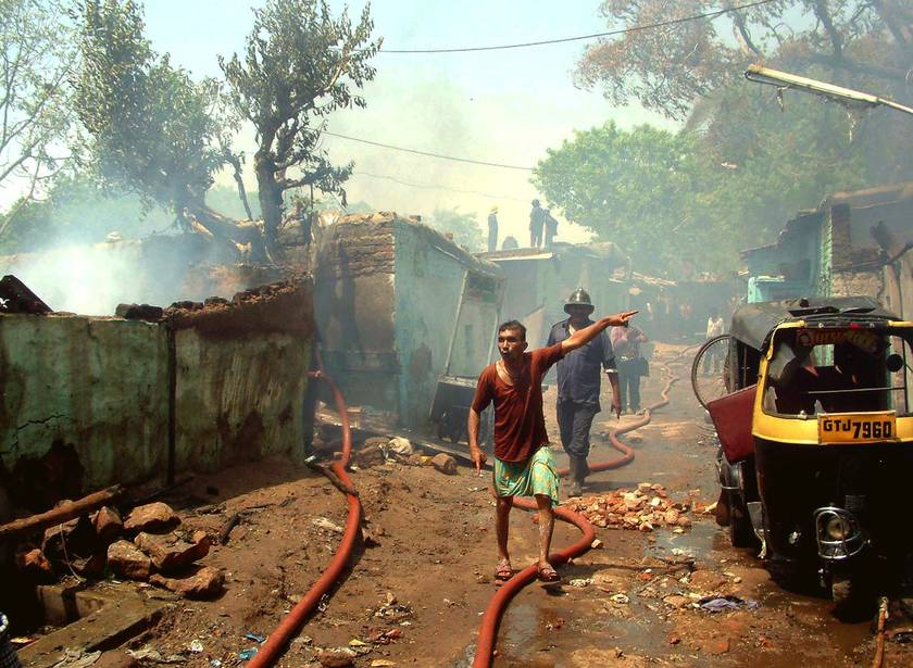 At least 942 people had been killed in two months of sectarian violence between Hindus in Muslims in the Indian state of Gujarat.
