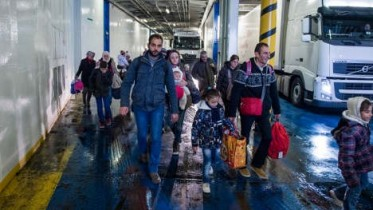 Is Sweden closing its borders? (no, it's not)