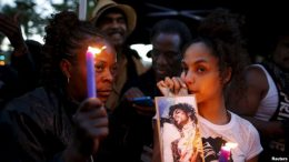 Legendary Musician Prince dies