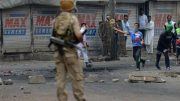 Kashmir 'mob drowns policeman'