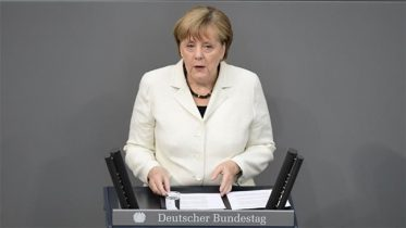 Merkel calls for dialog with Russia,