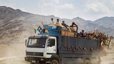 Afghans Leave Pakistan