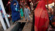 Afghan refugees leave Pakistan
