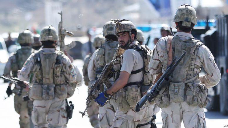 هلمند کې یو افغان سرتيري