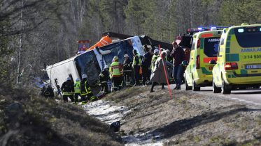 bus carrying school children crashes