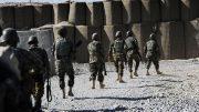 کندهار کې د طالبانو برید لس افغان پوځيان وژلي
