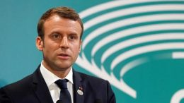Emmanuel Macron to host Vladimir Putin