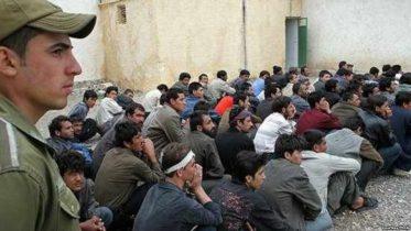 د کډوالو او راستنېدونکو وزارت: ایران افغان کډوال په زور وباسي
