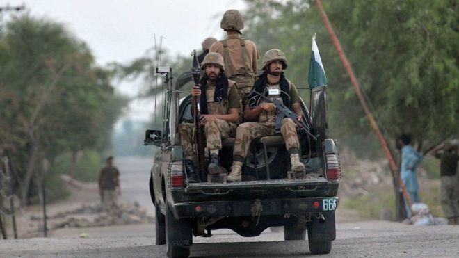 پاکستان په خیبر قبایلي سیمه کې د داعش ضد عملیات پیل کړل