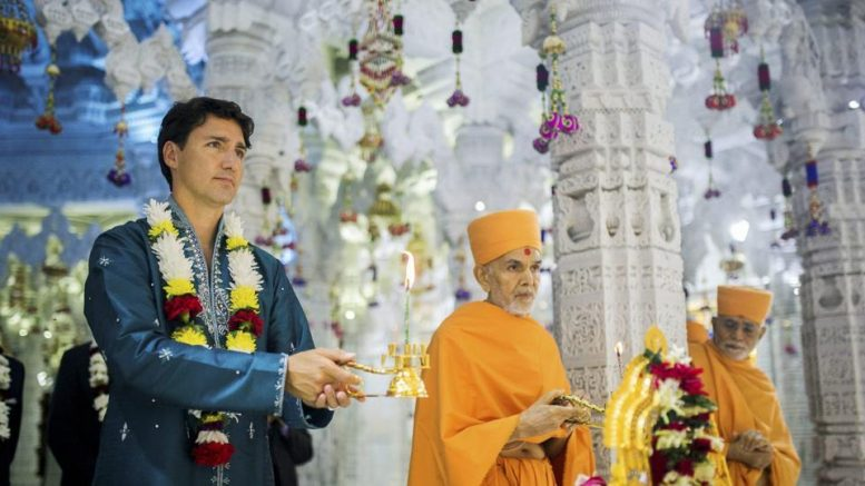 Trudeau, in kurta-pyjama,