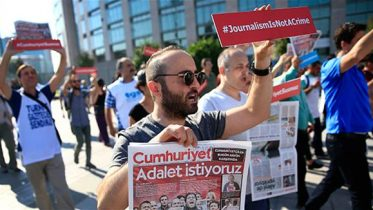 Trial of daily Cumhuriyet journalists