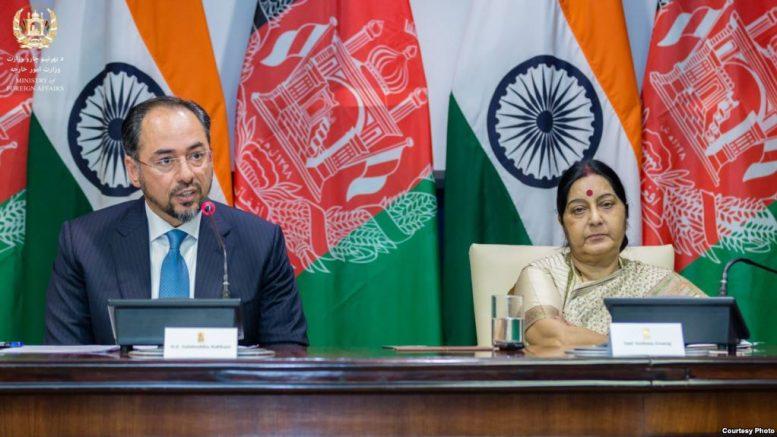 هند په افغانستان کې لسګونه پروژې پیلوي
