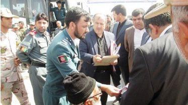 ایران تر ۲۰۰ زیات افغان بندیان افغانستان ته وسپارل