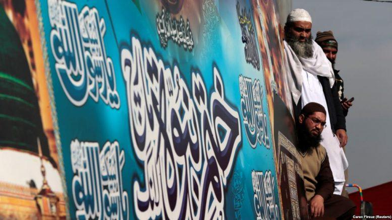 'پاکستان کې تر منتخیب حکومت پوځ زورور دی'