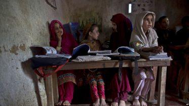 پاکستان کښې قبایلي سیمې د تعلیم په برخه کښې تر ټولو وروستو دي