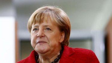 Split Social Democrats could sink Angela Merkel's coalition plans