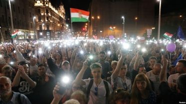 Tens of Thousands of Hungarians Protest Orban's Rule